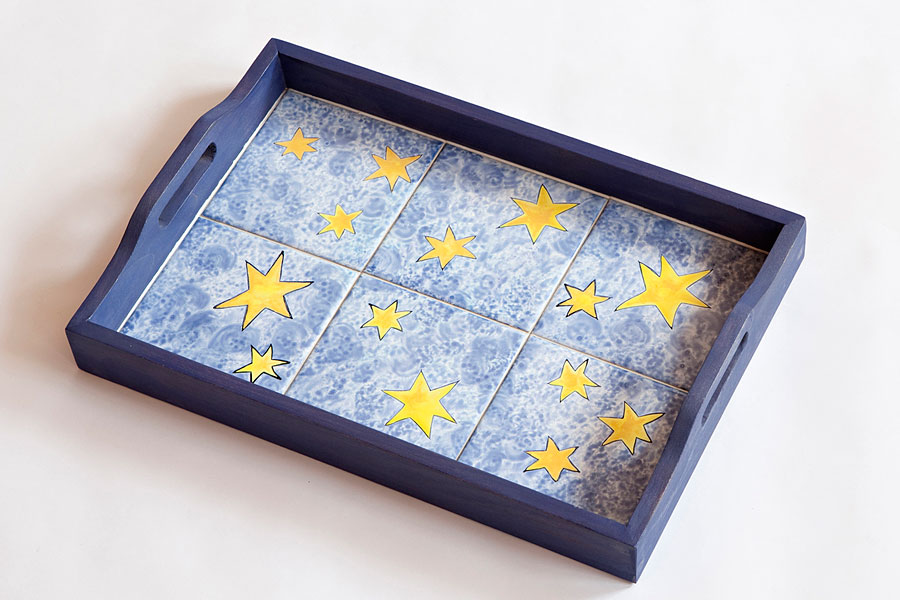 tabletts mit fliesenmalerei handgemalt von annelie somborn. Black Bedroom Furniture Sets. Home Design Ideas