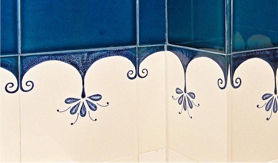handgemalte fliesen im bad individuelle fliesenmalerei. Black Bedroom Furniture Sets. Home Design Ideas